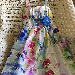 Flowered Party Dress. Size 5. Like New.
